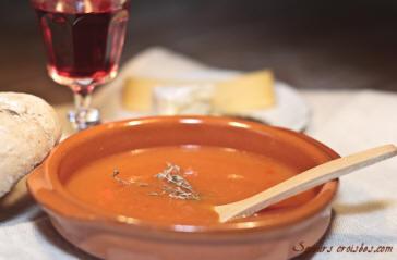 Recettes potages et soupes potage la tomate au thym et au laurier - Potage a la tomate maison ...